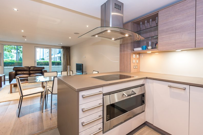2 bedroom(s) apartment to sale in Mahogany House, Lensbury Avenue, Fulham-image 6