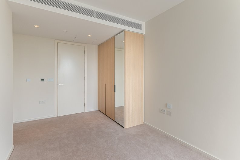 1 bedroom(s) apartment to sale in Lillie Square, Earls Court, London-image 7