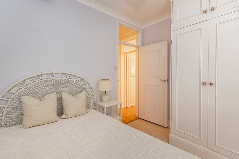 3 bedroom(s) apartment to sale in Walton Street, Kensington/Chelsea, London-image 8