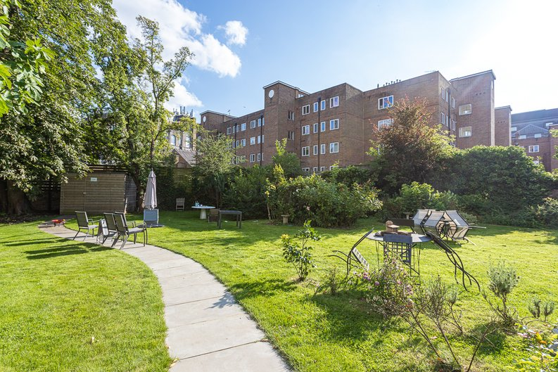 3 bedroom(s) apartment to sale in Greville Road, St. John's Wood Borders, London-image 25
