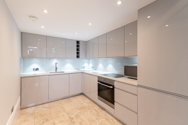 2 bedroom(s) apartment to sale in Belsize Park Gardens, Belsize Park, London-image 5