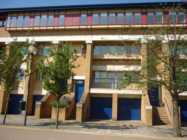 North Fourteenth Street, Milton Keynes, Buckinghamshire Image