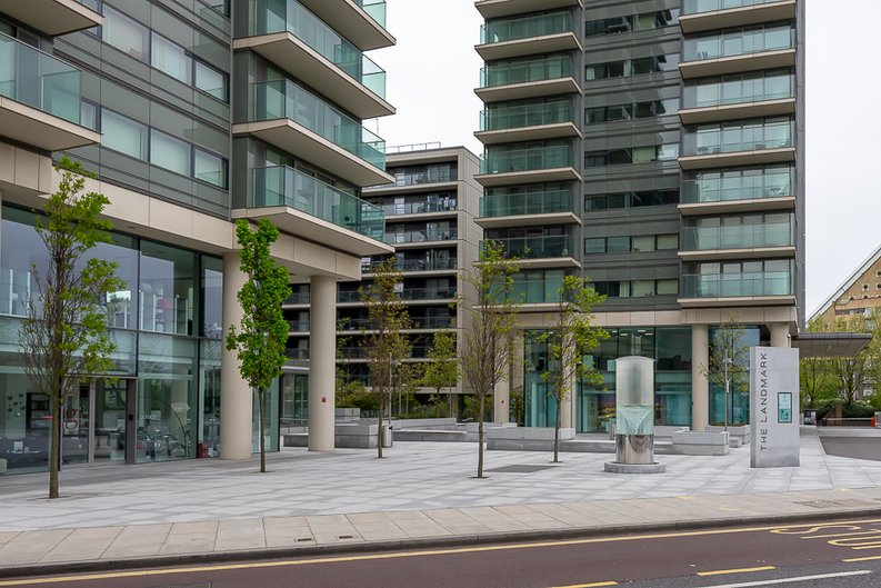 2 bedroom(s) apartment to sale in Landmark West Tower, Marsh Wall, Canary Wharf-image 11