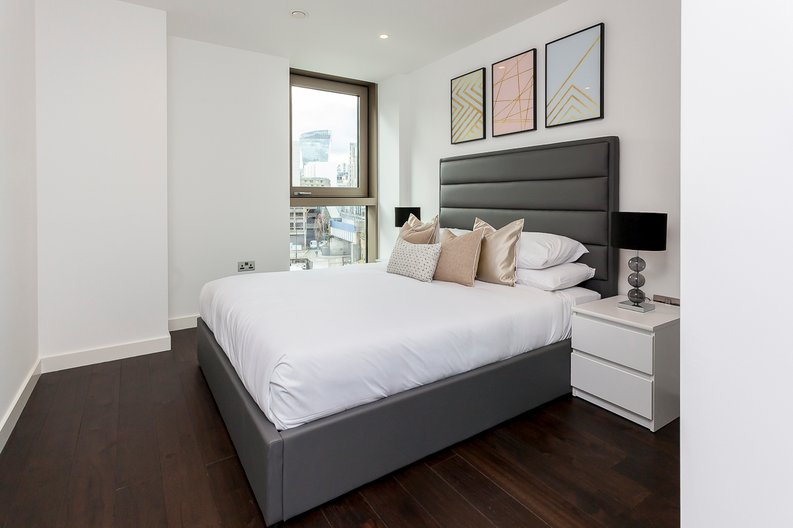2 bedroom(s) apartment to sale in Rosemary Place, 85 Royal Mint Street, Tower Hill, London-image 4