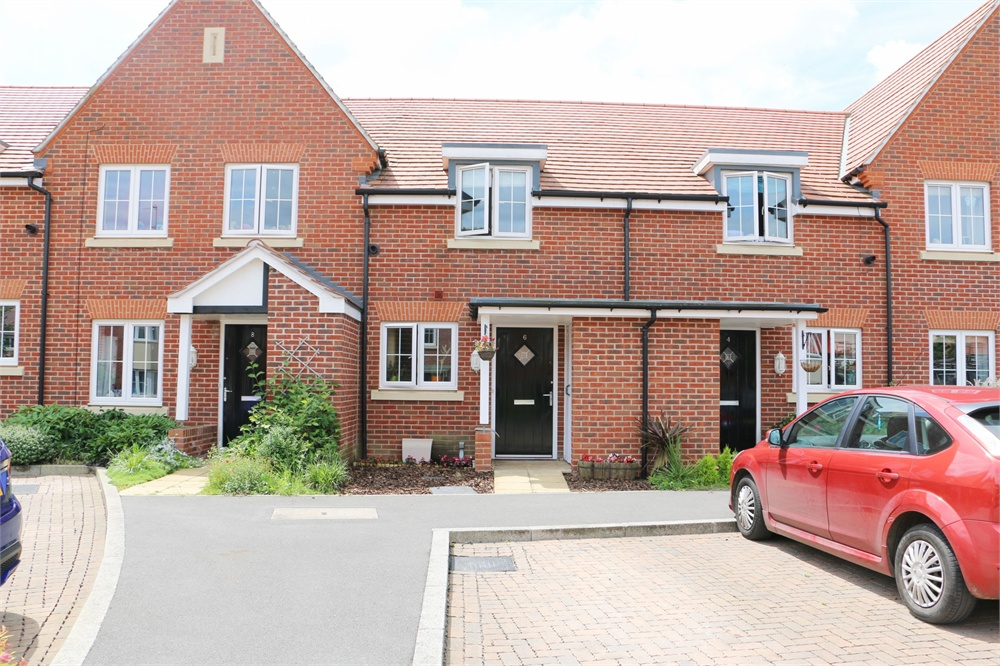 Hazell Close, Hartley Wintney, Hook