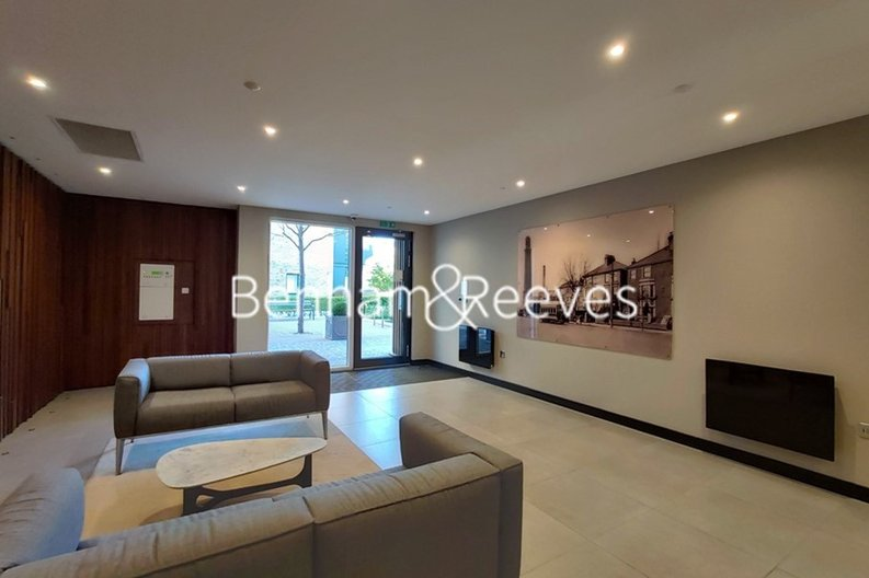 1 bedroom(s) apartment to sale in Heritage Place, Greater London, Brentford-image 12