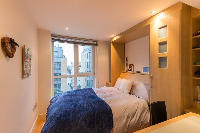 2 bedroom(s) apartment to sale in Regal House, Lensbury Avenue, Fulham-image 5