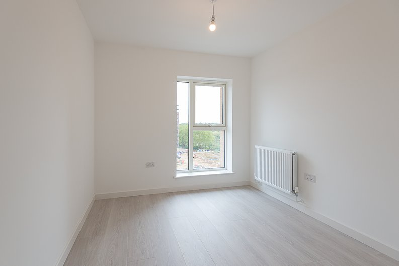 2 bedroom(s) apartment to sale in Starling Apartments,, Hendon Waterside-image 5