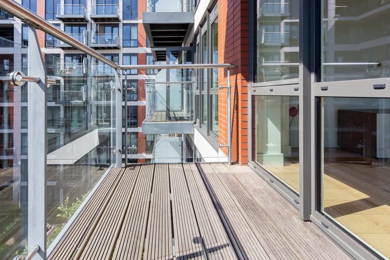 2 bedroom(s) apartment to sale in Belgravia House, Dickens Yard, Ealing-image 8