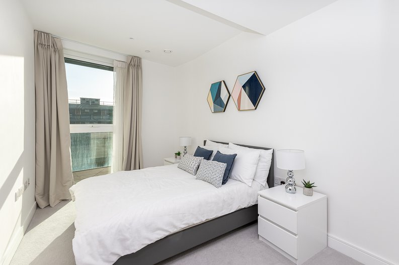 2 bedroom(s) apartment to sale in Glenthorne Road, Hammersmith, London-image 3
