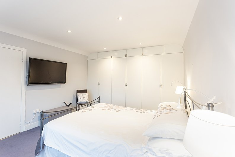4 bedroom(s) house to sale in Hale Lane, Mill Hill, London-image 24