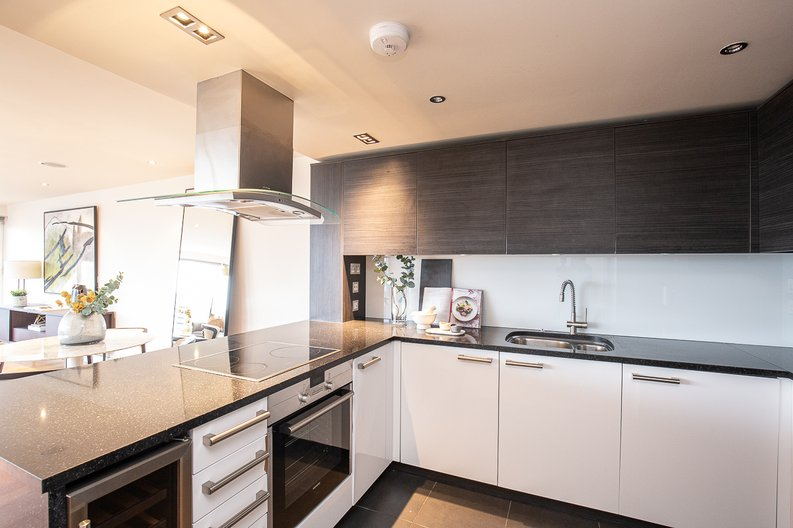 2 bedroom(s) apartment to sale in Octavia House, Townmead Road, Fulham-image 6