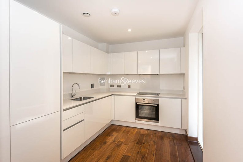 2 bedroom(s) apartment to sale in Beaufort Court, Maygrove Road, West Hampstead, London-image 2