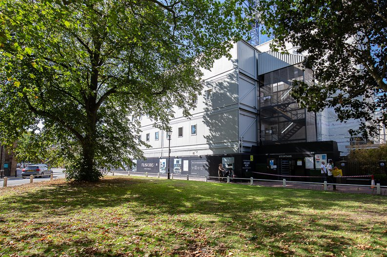 3 bedroom(s) apartment to sale in Bogart House, Filmworks, Ealing-image 5