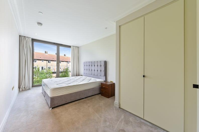 2 bedroom(s) apartment to sale in Queens Wharf, 2 Crisp Road, Hammersmith-image 7