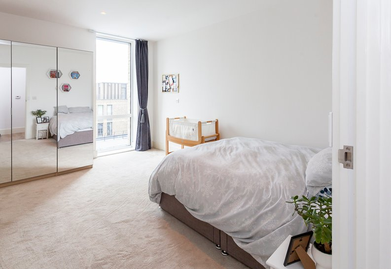 2 bedroom(s) apartment to sale in Cadet House, Victory Parade, Plumstead Road, Woolwich, London-image 16