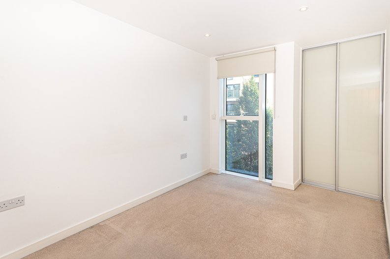 1 bedroom(s) apartment to sale in Goodchild Road, Woodbury Down, London-image 7