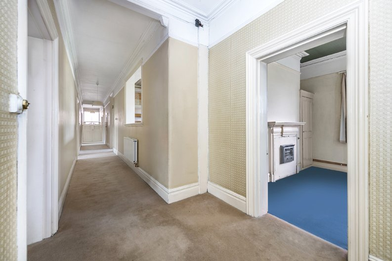 5 bedroom(s) apartment to sale in Rosslyn Mansions, Goldhurst Terrace, South Hampstead, London-image 4