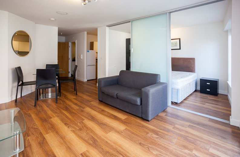 Studio apartment to sale in Ascent House, 12 Boulevard Drive, Beaufort Park , London-image 1