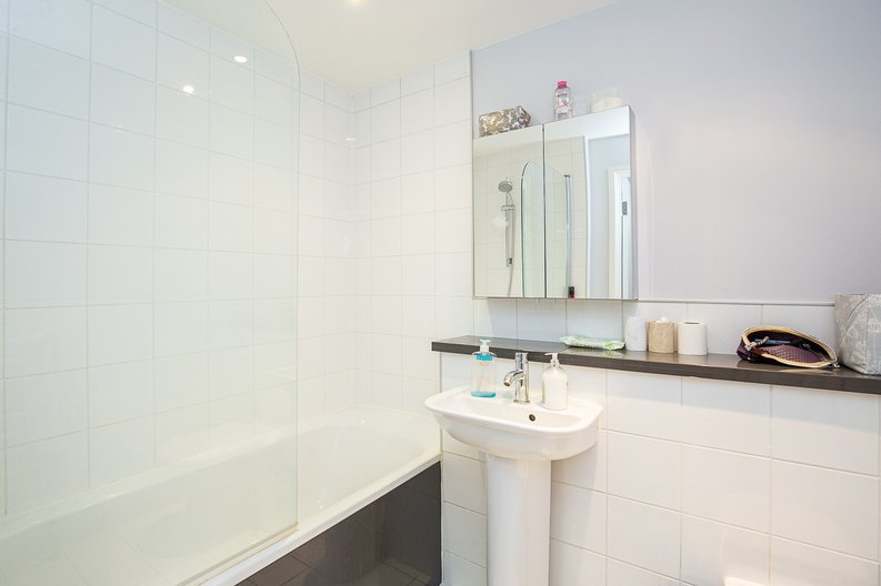 1 bedroom(s) apartment to sale in Brook Mews North, Bayswater-image 6