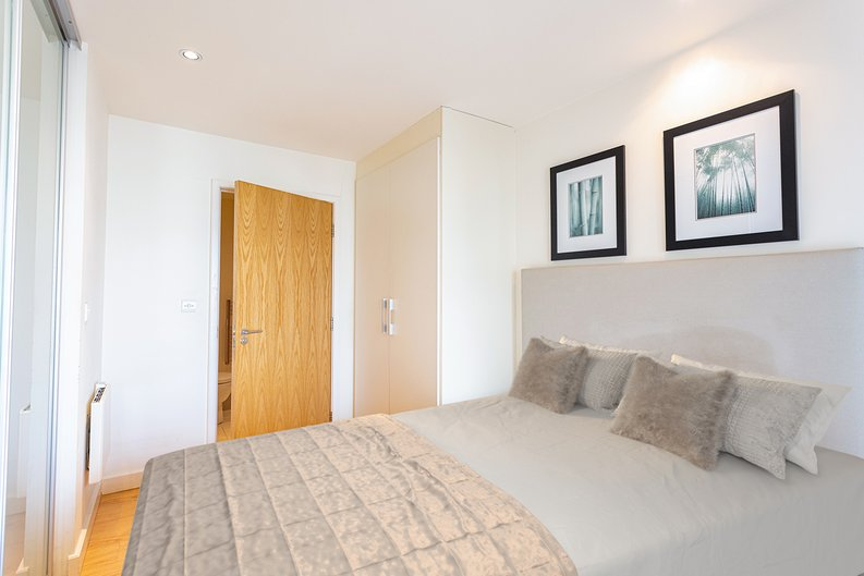 Studio apartment to sale in East Drive, Colindale, London-image 8