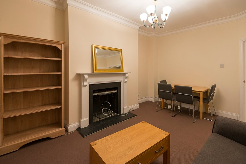 2 bedroom(s) apartment to sale in Sutherland Avenue, Maida Vale-image 4