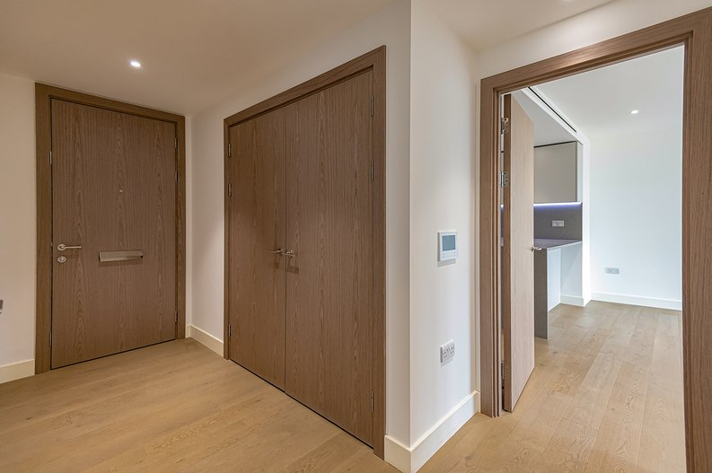 2 bedroom(s) apartment to sale in Vaughan Way, St Katherine's & Wapping, London-image 9