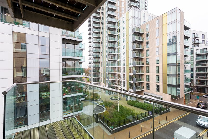 2 bedroom(s) apartment to sale in Waterside Apartments, Woodberry Down, Manor House-image 13