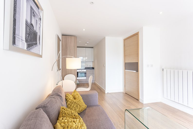 1 bedroom(s) apartment to sale in Seafarer Way, Surrey Quays, London-image 17