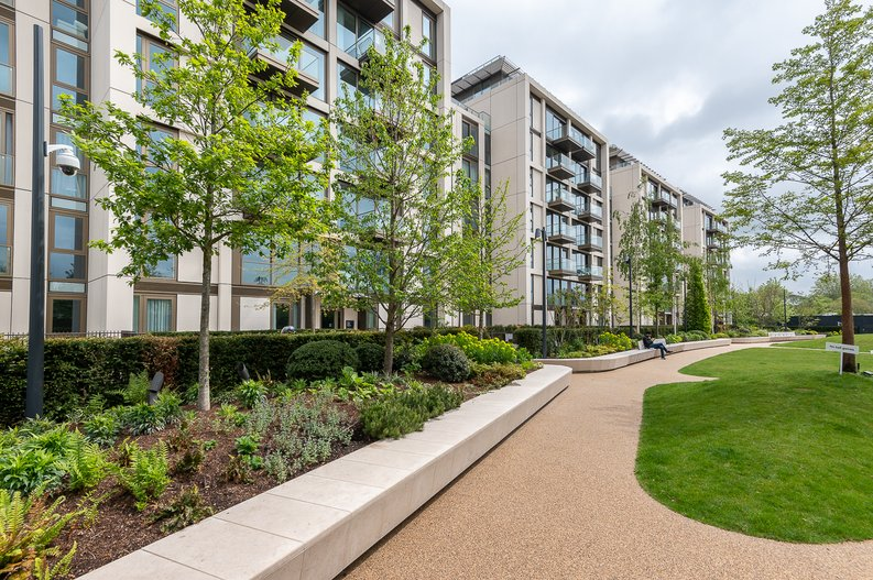 1 bedroom(s) apartment to sale in Lillie Square, Earls Court, London-image 12