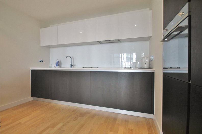 1 bedroom(s) apartment to sale in Pump House Crescent, Greater London, Brentford-image 7