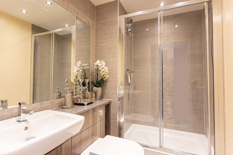 2 bedroom(s) apartment to sale in Boulevard Drive, London-image 4