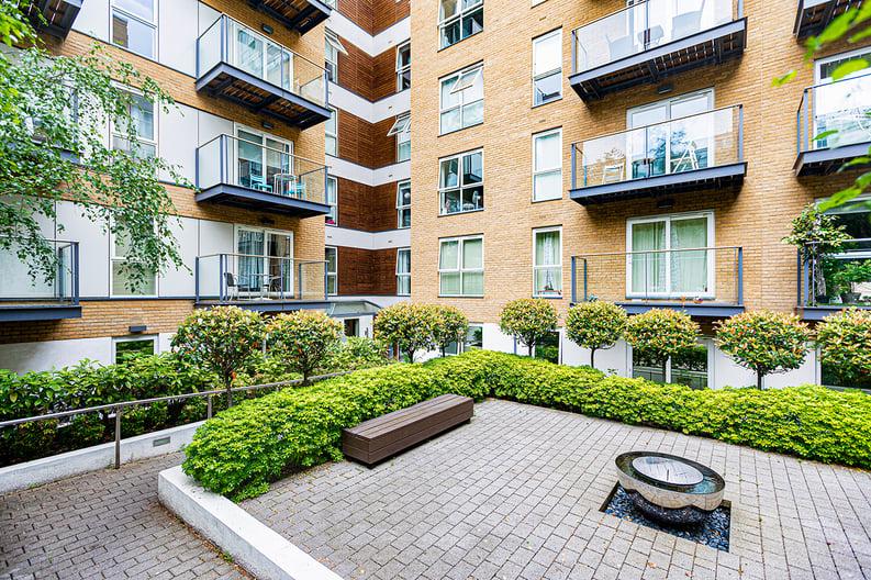 1 bedroom(s) apartment to sale in Bromyard Avenue, Napier West, London-image 13
