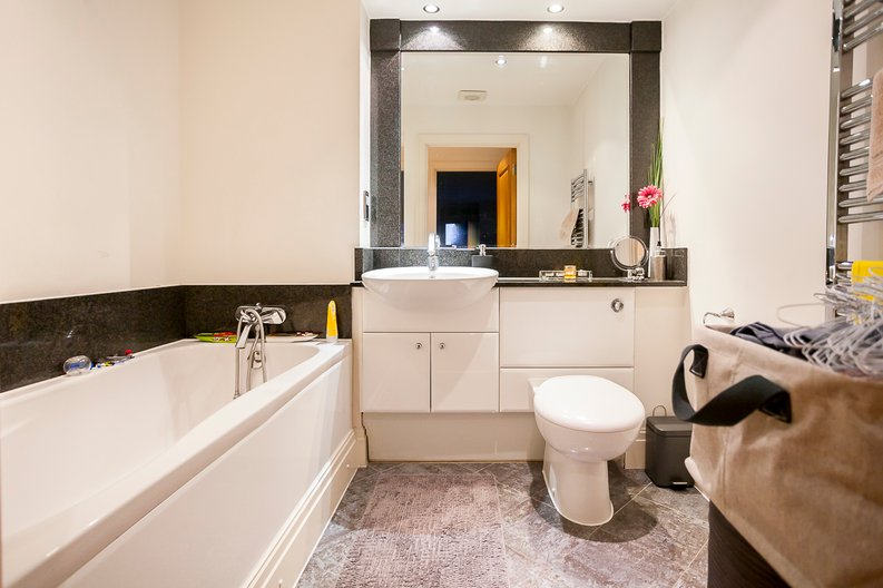 2 bedroom(s) apartment to sale in Chelsea Vista, The Boulevard, Imperial Wharf, Fulham-image 10