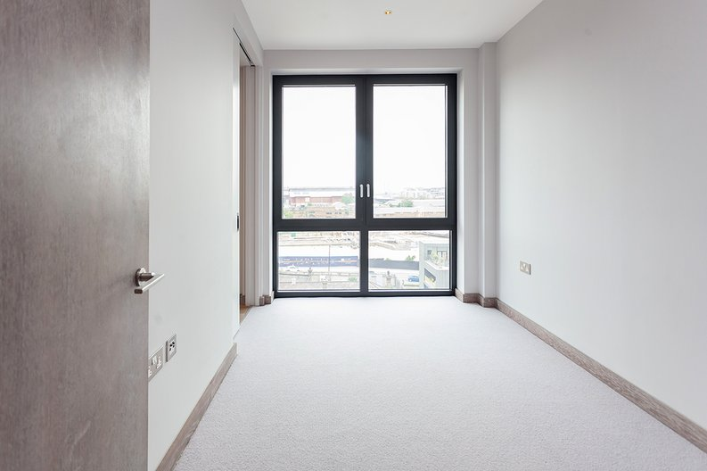 3 bedroom(s) apartment to sale in Tritton House, 3 Ryeland Boulevard, Ram Quarter , Wandsworth-image 3