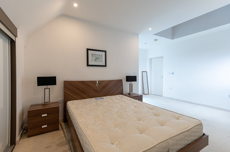 1 bedroom(s) apartment to sale in Gore House, Drummond Way, Islington, London-image 10