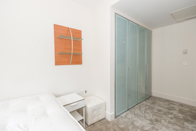 1 bedroom(s) apartment to sale in Peninsula Apartments, Praed Street, London-image 6