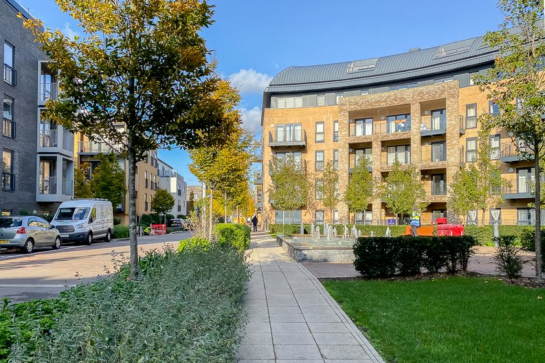 1 bedroom(s) apartment to sale in Clement Court, Howard Road, Greater London, Stanmore-image 9