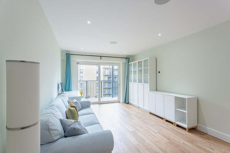 2 bedroom(s) apartment to sale in Aerodrome Road, Colindale, London-image 19