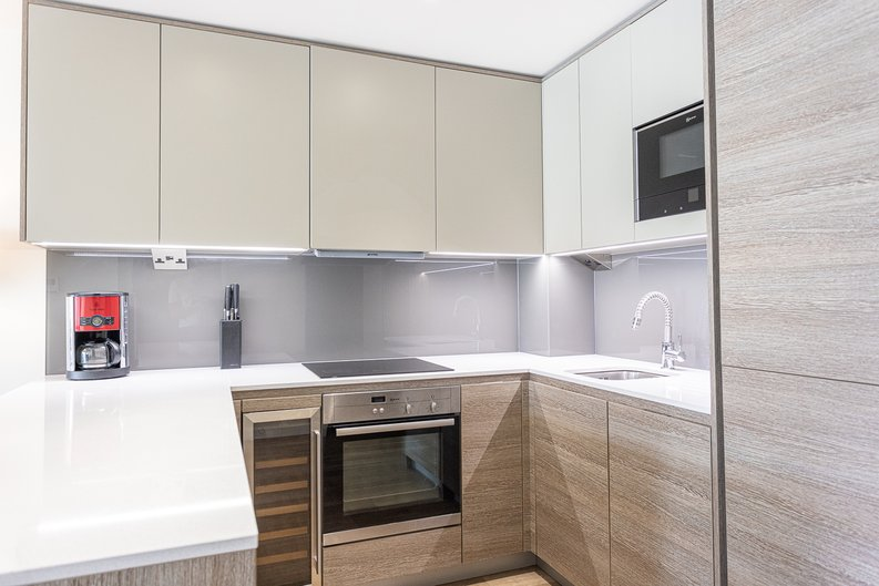 1 bedroom(s) apartment to sale in Carleton House, Boulevard Drive, Beaufort Park-image 6