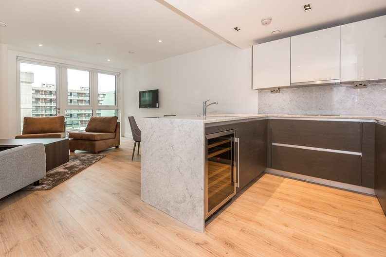 2 bedroom(s) apartment to sale in Lancaster House, Sovereign Court, Hammersmith, London-image 1
