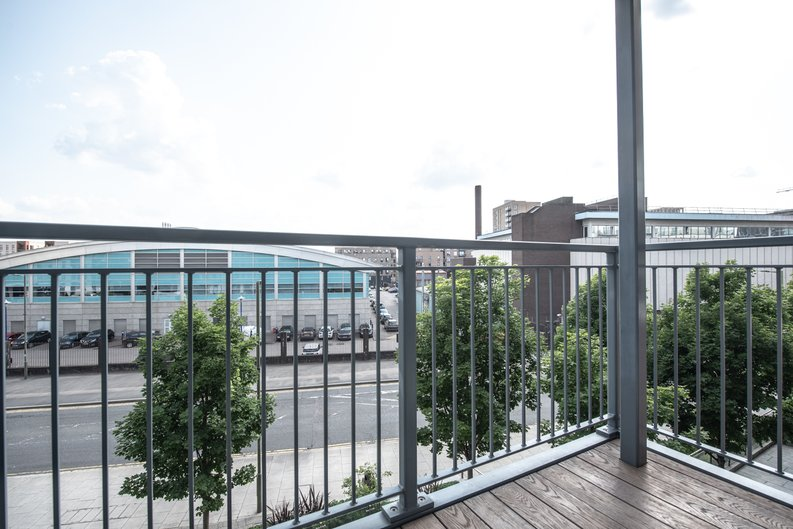 1 bedroom(s) apartment to sale in Heritage Avenue, Colindale, London-image 5