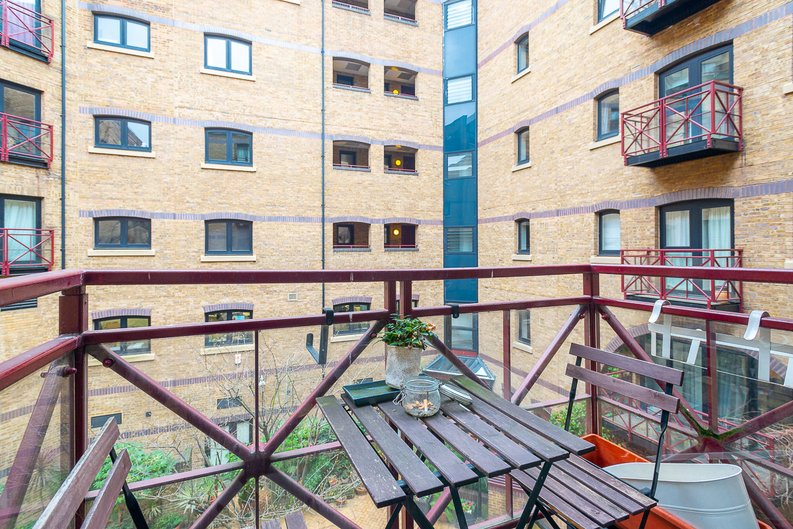2 bedroom(s) apartment to sale in Scotts Sufferance Wharf, 5 Mill Street, Bermondsey-image 11