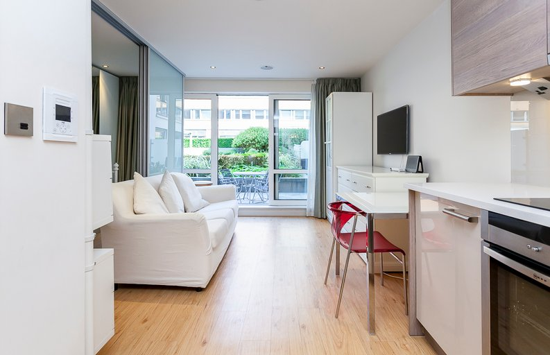 1 bedroom(s) apartment to sale in Counter House, Park Street, Chelsea Creek, London-image 1
