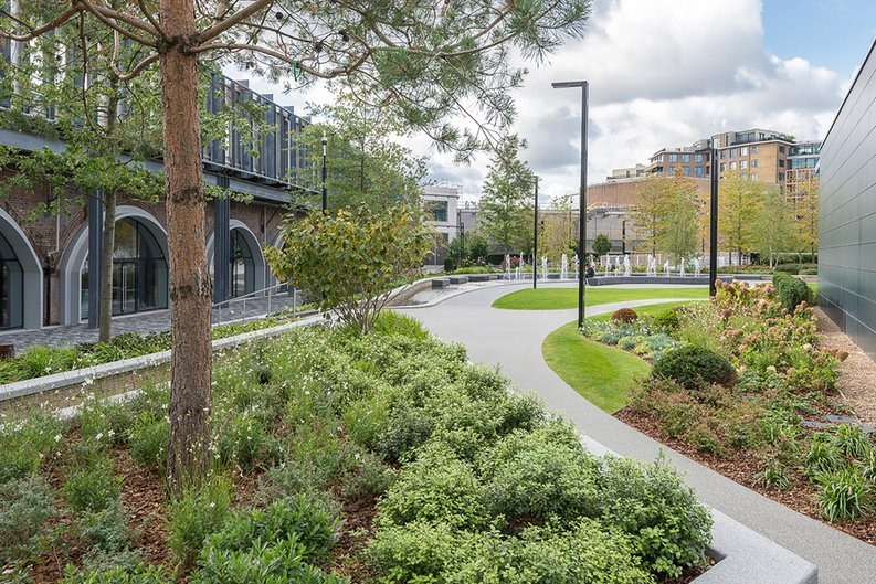 2 bedroom(s) apartment to sale in Fountain Park Way, White City, London-image 10