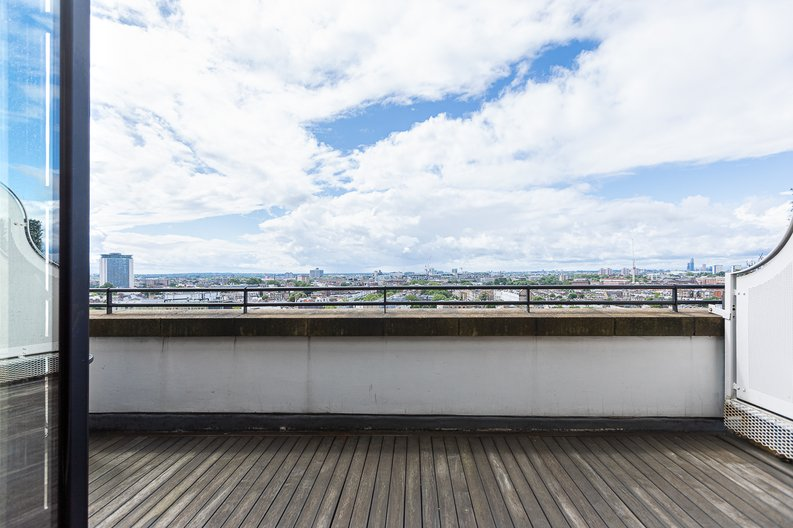 3 bedroom(s) apartment to sale in Cromwell Road, South Kensington, London-image 6