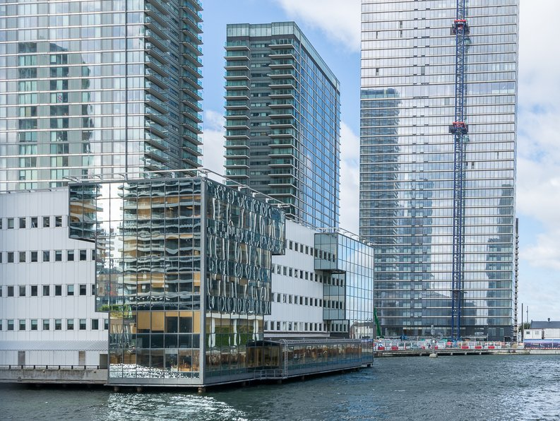2 bedroom(s) apartment to sale in Landmark Pinnacle, 15 Westferry Road, Canary Wharf-image 1