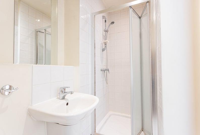 2 bedroom(s) apartment to sale in Roach Road, Hackney Wick, London-image 9