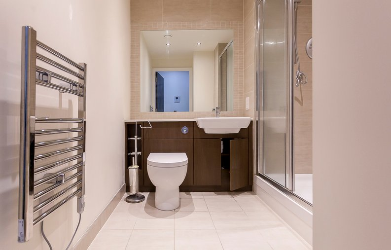 Studio apartment to sale in Boulevard Drive, Colindale, London-image 4