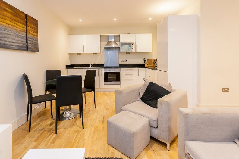 2 bedroom(s) apartment to sale in Denison House, Lanterns Court, Canary Wharf-image 1